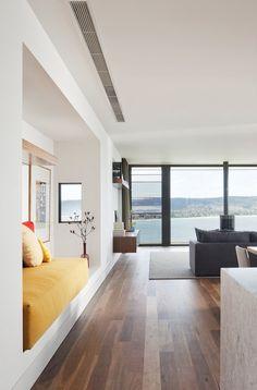Rachcoff Vella Architecture have designed the Hill House in Mount Martha, Australia