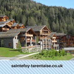 It's beautiful, traditional and family-friendly accommodation, ideal for those seeking relaxation along with beautiful scenery, culture and many more. Sainte Foy, Culture Travel, Beautiful Scenery, Relax, Cabin, Traditional, House Styles, Home Decor, Decoration Home