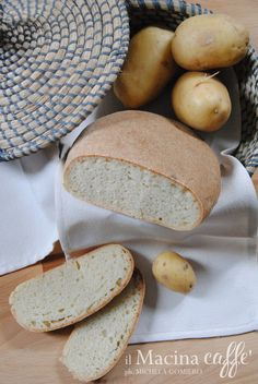 Pane alle patate - Bread with potatoes http://ilmacinacaffe.blogspot.it/