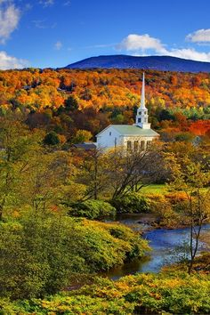 The 10 Most Beautiful Towns in Vermont via The Culture Trip (pictured: Stowe) // Click on the image for the whole list #VisitNewEngland