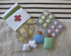 Trousse de premiers soins en feutrine par kimamaya sur Etsy