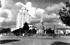 Monumento á Reconquista na praza de España