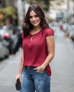 Women's Tops and Blouses Popular Items Classy Outfits, New Outfits, Casual Outfits, Cute Outfits, Blouse Styles, Blouse Designs, Fashion Labels, Ideias Fashion, Fashion Dresses