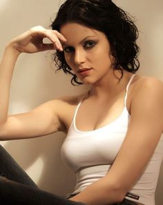 Download Actress Yana Gupta Photos