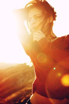 I lens flare. Summer Dream, Lens Flare, Portrait Photo, My Sunshine, Becca, Fashion Photo, Beautiful Pictures, Sun Shine, In This Moment
