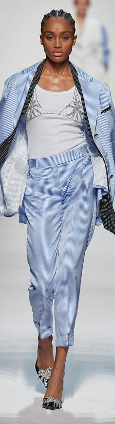 Only Fashion, High Fashion, Runway Fashion, Womens Fashion, Fashion Trends, Marine Look, Himmelblau, Fashion Pants, Fasion