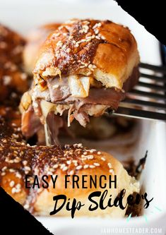 Looking for a Easy Sandwich Recipes for Dinner? Make Easy French Dip Sliders because they're suitable for a quick dinner or to pack for lunch. We LOVE these Easy French Dip Sliders because they're suitable for a quick dinner or to pack for lunch. Easy Sandwich Recipes, Slider Recipes, Appetizer Recipes, Meat Appetizers, Mini Sandwiches, Slow Food, Croque Mr, Sauce Française, French Dip Recipes