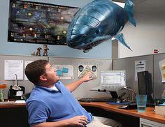 Távirányítású repülő cápa | Radarplayer.hu