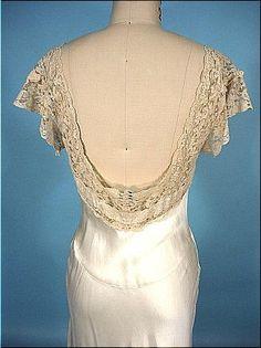 1930's Wedding Dress, beautiful back and lace!
