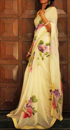 Do you want to find out about the best Elegant Design Indian Saree and things like Classic Saree and Elegant Design Sari Blouse then Click Visit link for Floral Print Sarees, Saree Floral, Floral Prints, Saree Painting Designs, Sari Dress, Sari Blouse, Hand Painted Sarees, Sari Design, Modern Saree