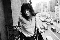 patti smith chelsea hotel | Patti Smith on the Chelsea Hotel balcony, New York City, 1971. (on a ...