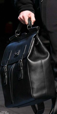 ~ Living a Beautiful Life ~ Dolce & Gabbana Fall 2015 RTW Menswear Leather Luggage, Leather Backpack, My Bags, Purses And Bags, Fashion Bags, Mens Fashion, Beautiful Bags, Beautiful Life, Handbags For Men