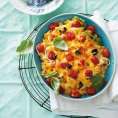 Macaroni-en-kaas met baba-tamaties en olywe