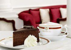 """Para """"saborear"""" Austria, nada mejor que su excelente cocina, su familiar hospitalidad y, cómo no, su famosa torta Sacher"""