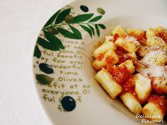 Gnocchi cu sos Arrabiatta Gnocchi, Pizza, Ethnic Recipes, Food, Meal, Essen