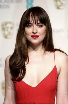 Dakota Johnson really suits her chestnut long locks and fringe. Get fringe inspiration from these A-list hairstyles: http://lifestyle.one/grazia/hair-beauty/hair/long-hairstyles-fringe/