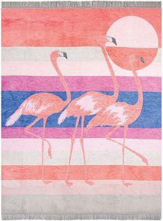 Knallige Wohndecke »Flamingo« von pad. Wow, was für Farben, was für ein Hingucker - diese wunderbare Decke bringt den Sommer in Ihr Wohnzimmer. Seien Sie mutig und holen Sie sich die farbenfroh gestreifte Kuscheldecke mit Flamingo-Motiv nach Hause. Sie werden sich über den Eyecatcher und die weiche Qualität aus 60% Baumwolle & 40% Polyacryl freuen. Und zierende Fransen gibt es auch noch dazu. M...