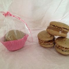 Chocolate macaroons with brigadeiro! One more option for your party!!!