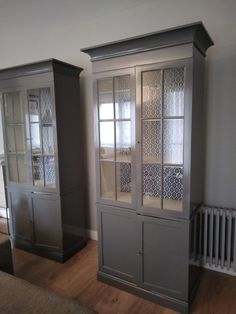 Con el Año Nuevo mis muebles renuevo ⋆ Recikla-arte China Cabinet, Storage, Furniture, Home Decor, Exterior Colors, Cabinets, Yurts, Art, Purse Storage