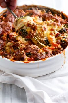 Spinach and Ricotta Zucchini Cannelloni | https://cafedelites.com