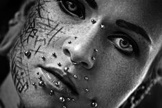 Photographer: Robert Förster – Robdude-Art Model: Balea NeonNight Scarleg