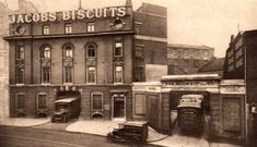 Jacob's biscuit factory Long Lane. Liverpool Town, Liverpool History, Liverpool England, Old Pictures, Old Photos, The Good Old Days, The Good Place, Historical Pictures, Factories