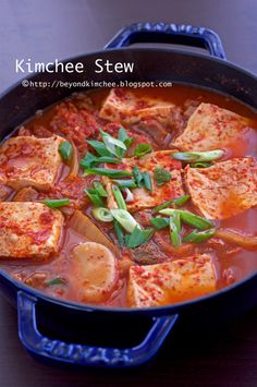 Kimchee Stew- awesome website for Korean cooking! Korean Dishes, Korean Food, Asian Recipes, Healthy Recipes, Ethnic Recipes, K Food, Asian Cooking, Asian Soup, I Love Food