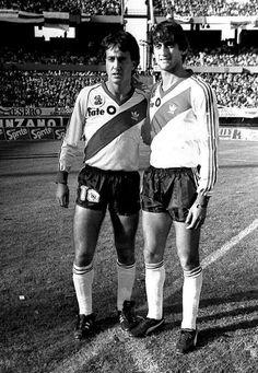 El Beto y el Enzo...el Enzo y el Beto...Francescoli y Alonso...Alma y corazón del MAS GRANDE...RIVER PLATE DE ARGENTINA. 🇦🇷⚪🔴⚪🇦🇷