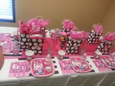 Hello Kitty party table.