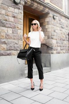 structured bag with casual chic outfit
