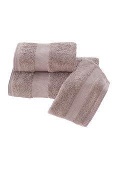 Podarunkowy zestaw ręczników DELUXE w kolorze ciemno brązowe. Podarunkowy zestaw ręczników DELUXE z modalowego włókna (32x50cm + 50x100cm + 75x150cm).