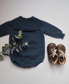 Anker's Suit pattern by PetiteKnit , Knitting For Kids, Baby Knitting Patterns, Knitting Projects, Little Boy Fashion, Kids Fashion, Baby Boy Outfits, Kids Outfits, Suit Pattern, Cute Baby Clothes
