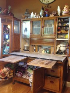 Antique Kitchen cabinet complete with two cutting boards, a flour bin with sifter and sugar storage, bread drawer, pie safe, spice rack Vintage Kitchen Cabinets, Vintage Appliances, Old Cabinets, Cupboards, Primitive Cabinets, Country Furniture, Vintage Furniture, Cool Furniture, Furniture Cleaning