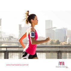 Para ter ainda mais motivação durante os treinos, escolha uma playlist bem animada, com músicas que mexam com você e te façam ir cada vez mais longe! Quando a trilha estiver prontinha, é só vestir seu look #MamaLatina e aproveitar o treino com disposição e muito conforto <3 Conheça a coleção fitness da Mama Latina e compre pelo site: www.mamalatina.com.br #dicadamama #look #fitness #trilhadodia #disposição #treino #motivação #moda #conforto