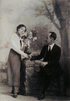 "Tina Modotti and Edward Weston, ""Anniversary"", Mexico, 1924 -nd. via T for tout"