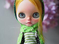 « Lemon » OOAK Custom Blythe Doll par un autre Blythe - gravé, sablé, sommeil, Boggled, regard corrigée, New composent avec la qualité et scellé