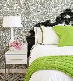 Love this fresh black and white color palette with pops of vibrant green and light pink.