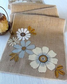 Pin By Judy Lott On Diy Ideas Crafts Pinterest Burlap Table