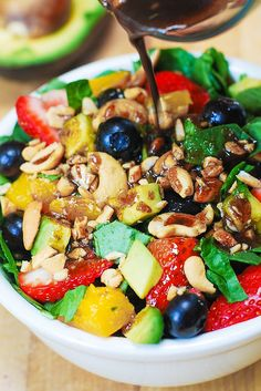 Strawberry Spinach Salad: colorful and refreshing like summer itself (gf, vegan).