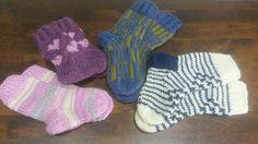 Syksyn 2017 ensimmäiset sukat pääsevät lämmittämään kahden pienen lapsen varpaita.  Isoveli ja pikkusisko. Fashion, Moda, Fashion Styles, Fashion Illustrations