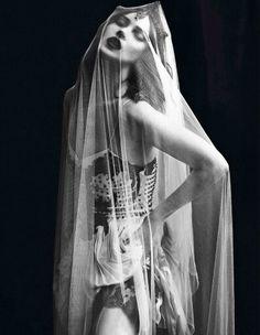 Back with Kate Moss & Vogue Paris