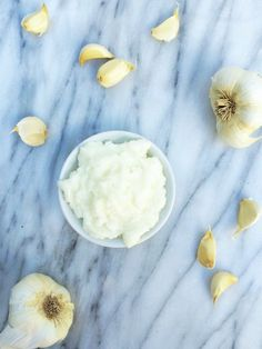 Lebanese Garlic Sauce - The Lemon Bowl #garlic #vegan #lebanesefood