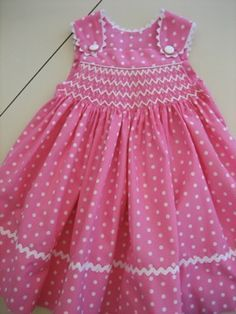 Smocked sundress --no pattern but a good reference for smocking Toddler Dress, Toddler Outfits, Baby Dress, Kids Outfits, Smocking Patterns, Dress Patterns, Little Dresses, Little Girl Dresses, Girls Dresses