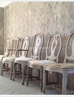 Chairs At Ashley Furniture Scandinavian Dining Chairs, Scandinavian Furniture, Scandinavian Home, Swedish Style, Swedish Design, Wooden Couch, White Accent Chair, New Furniture, Painted Furniture