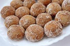 Ne zamandir yapmayi düsündügüm bu kurabiyeyi sevgili Gülayin sayfasinda görünce artik yapmaliyim dedim, yapimi basit lezzeti bir o kadar sahane bu kurabiyeler bizim favorimiz oldu bile…Tarifi…