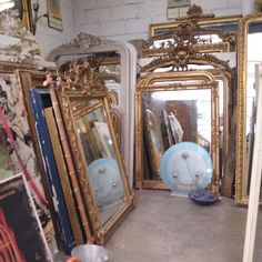 PARIS FLEA MIRRORS 1 - look at this, such an abundance.....look at these flea market mirrors and frames!!!!