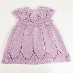 Clara pattern by Karin Vestergaard Mathiesen - Kindermode Baby Vest, Baby Cardigan, Baby Knitting Patterns, Baby Patterns, Baby Dress Pattern Free, Kids Outfits, Cute Outfits, Knit Baby Dress, Diy Dress