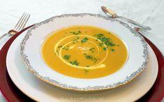Deze van oorsprong Indiase mulligatawny soep is absoluut verrukkelijk! Fris en fruitig, zoet en zuur, vol en romig; deze soep heeft werkelijk alles!