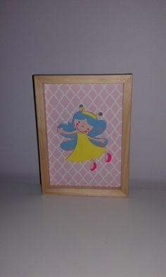 Fée à la robe jaune et aux ailes turquoises : Chambre d'enfant, de bébé par ma-marotte
