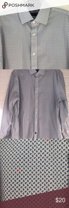 Men's Tommy Hilfiger Slim Fit Dress Shirt Men's Non Iron Dress Shirt by Tommy Hilfiger in a Slim Fit 15 1/5 - 32/33. Excellent brand new condition from a smoke free home. Tommy Hilfiger Shirts Dress Shirts